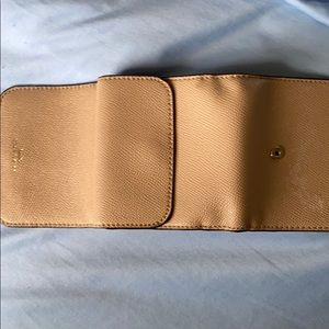 I'm selling a coach wallet